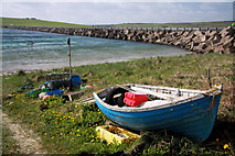 ND4798 : Boat on Glimps Holm shore by Bob Jones