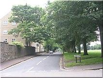 SE0824 : Queen's Gate - Free School Lane by Betty Longbottom