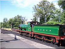 TQ4023 : Steam locomotive at Sheffield Park station by Raymond Knapman