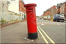 J3472 : Victorian pillar box, Belfast (1) by Albert Bridge