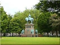 NT2473 : Albert Memorial, Charlotte Square by kim traynor