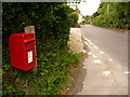 ST8614 : Iwerne Minster: postbox № DT11 135, Dunns Lane by Chris Downer