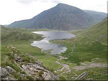 SH6459 : Llyn Idwal, from the south by Roger Cornfoot