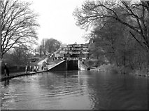 SE1039 : Five Rise Locks, Bingley, Leeds and Liverpool Canal by Dr Neil Clifton