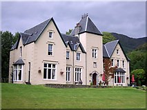 NM9080 : Glenfinnan House Hotel by geojoc
