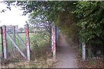 TQ7668 : Footpath to Marlborough Road from the Great Lines by David Anstiss