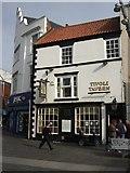 TA2609 : The Tivoli Tavern Grimsby by Richard Hoare
