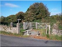 SH6179 : Start of the new path to Castell Aberlleiniog by Eric Jones