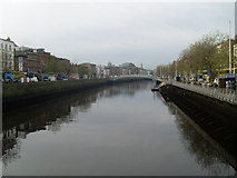 O1534 : The Liffey and the Ha'penny Bridge by Stephen Sweeney