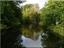 TQ2077 : Classic Bridge lake view by Peter S