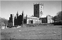 SM7525 : St David's Cathedral by Philip Halling