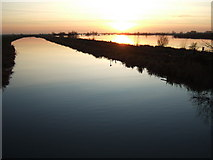 TL4279 : Evening calm - The Ouse Washes at Sutton Gault by Richard Humphrey