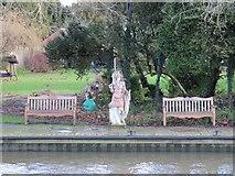 SU5980 : Statue by the seats by Bill Nicholls
