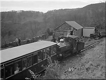 """SH6441 : """"Linda"""" at Tan-y-Bwlch station, 1966 by Robin Webster"""