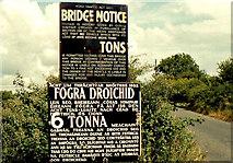 O1274 : Railway bridge signs near Drogheda by Albert Bridge