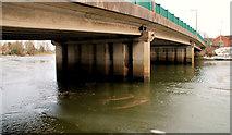 J3371 : The frozen River Lagan, Belfast (11) by Albert Bridge