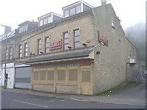 SE1437 : Rosina's Restaurant & Bar - Saltaire Road by Betty Longbottom