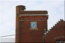 SU5985 : Clock on the top by Bill Nicholls