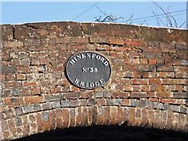 SO8689 : Staffordshire & Worcestershire Canal - Hinksford Bridge (No. 38) name plate by P L Chadwick