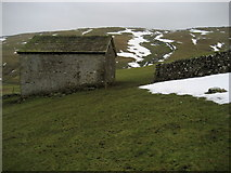 SD8970 : Stone Laithe above Cowside Beck by Chris Heaton