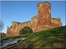 NS6859 : Bothwell Castle by G Laird