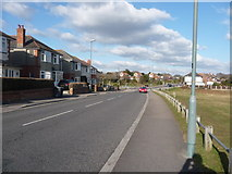 SZ0895 : Bournemouth : Redhill Drive by Lewis Clarke
