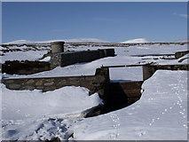 NN7372 : Dam in the course of Allt Geallaidh by ian shiell