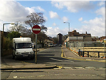 SU1584 : Plymouth Street at its junction with Drove Road, Swindon by Brian Robert Marshall