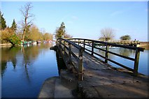 SP4907 : The Thames Path footbridge from Fiddler's Island by Steve Daniels