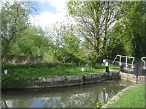 SU6269 : Entrance to Tyle Mill lock by Sandy B