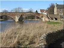 NT5173 : Nungate Bridge from Gifford Gate by M J Richardson