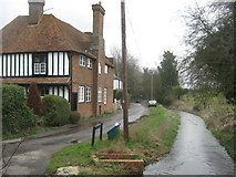 TR1955 : Court Lodge on Old Palace Road by David Anstiss