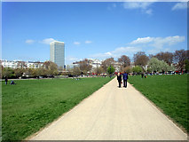 TQ2780 : Hyde Park, London, W1 by Christine Matthews
