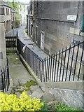 NT2674 : Gayfield Place Lane off Leith Walk by kim traynor
