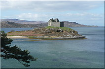 NM6672 : Castle Tioram from the Silver Walk by Russel Wills