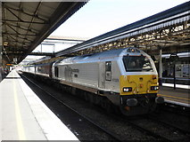 SX9193 : Southbound train stands at Exeter St David's by Roger Cornfoot