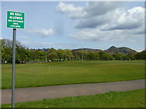 NT2572 : No Golfing sign, Bruntsfield Links by kim traynor