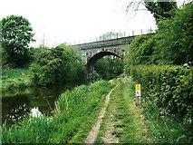 SJ8965 : Railway bridge over Macclesfield Canal by Raymond Knapman