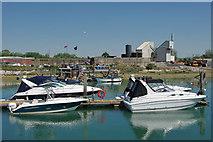 TQ0102 : Littlehampton - fishermans' jetty by Robin Webster