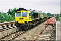 SU1585 : Swindon Station, Domestic Waste Train by Roger Templeman