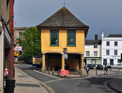 SU2895 : The old Town Hall - Faringdon by Mick Lobb