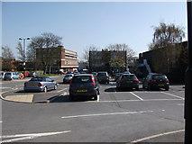 SP2871 : Station Road seen from Abbey End car park, Kenilworth by John Brightley
