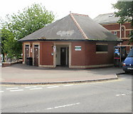 ST1067 : Public Toilets, Barry by Jaggery