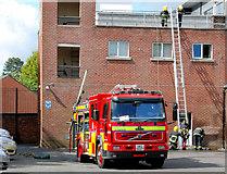 J3271 : Fire appliance, Belfast by Albert Bridge