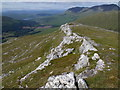 NN2734 : Upper section of quartzite dyke on Beinn Udlaidh above Glen Orchy by ian shiell