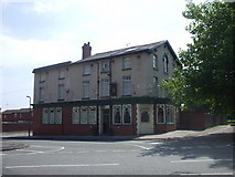 SJ3688 : The Queens Arms, Admiral St, Liverpool by John Lord