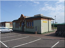 TG5307 : Public convenience near the Jetty, Marine Parade, Great Yarmouth by Tim Heaton
