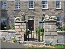 NU0052 : Berwick-Upon Tweed Architecture - The Lions House - view of gateway and front door by Richard West