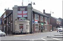 TQ7668 : Sphinx Bar, Gillingham by Chris Whippet