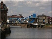 TA1029 : Bridges of Hull #22 by Ian S